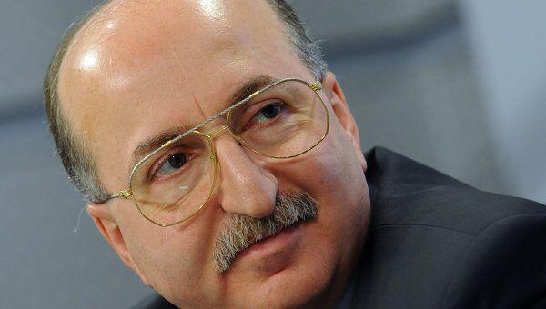 Председатель совета директоров компании Вимм-Билль-Данн Давид Якобашвили рассчитывает на ПМЭФ узнать о вариантах выхода из кризиса