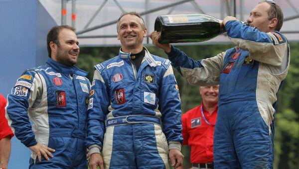 Алес Лопрайс, Милан Холан и Ярослав Мисколчи (слева направо в синем). Архив