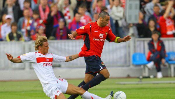 Даниэль Карвальо (справа) в матче против Спартака