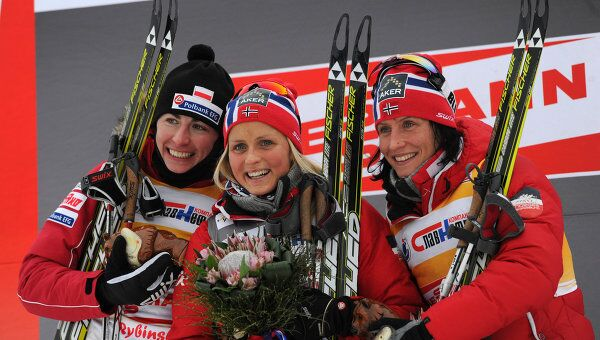 Юстина Ковальчик, Тереза Йохауг и Марит Бьорген (слева направо)