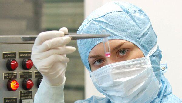 Перед процедурой девочку осмотрел участковый врач, показаний против прививки и вакцинации не было