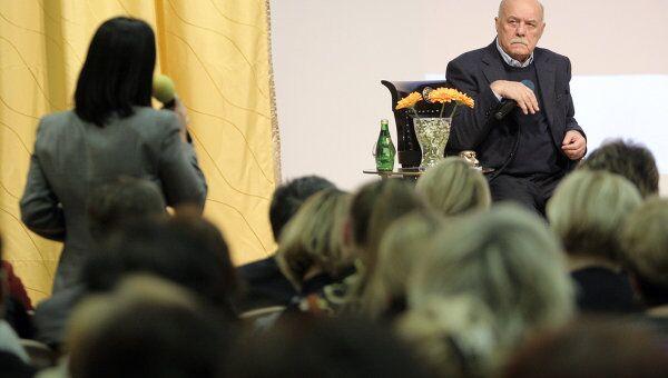Встреча Станислава Говорухина с избирателями Западного округа