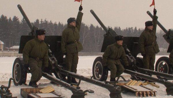 Солдаты учатся запускать Венки и Кружева для салюта 23 февраля