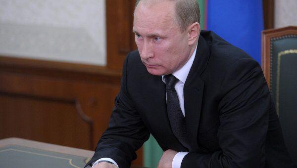 Путин требует вывести из коррупционной тени поставщиков ресурсов