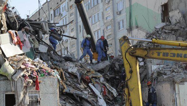 Обрушение подъезда жилого дома в Астрахани