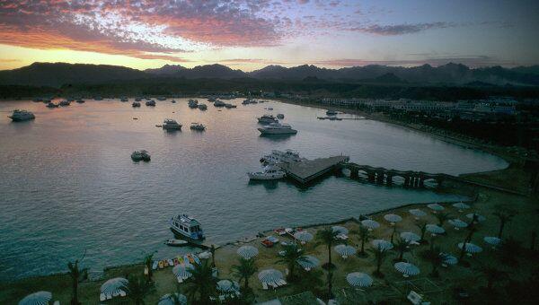 Вид курорта Шарм эш-Шейха на закате. Архивное фото