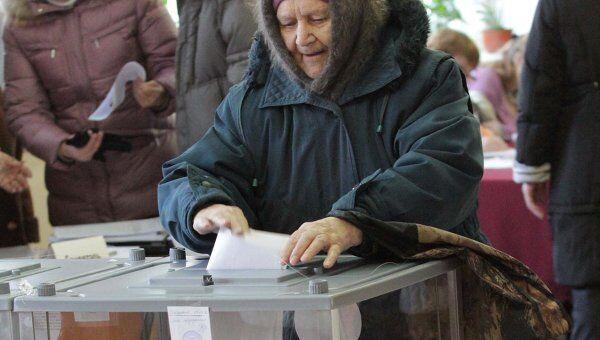 Выборы голосование избирательный участок избиратели Омск