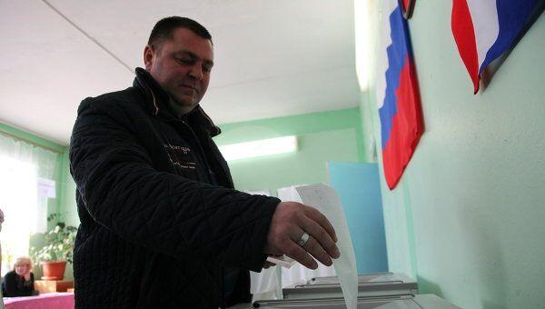 Голосование на участке №29 в Арсеньеве Приморского края