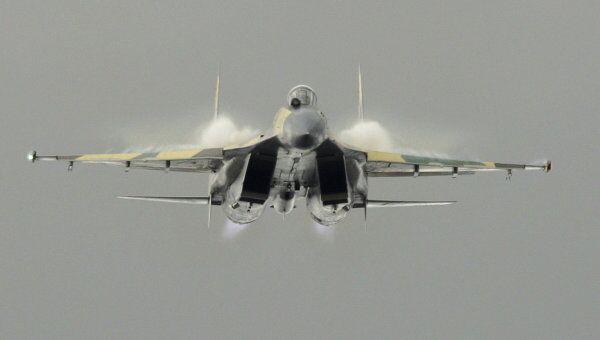 Многоцелевой истребитель Су-35. Архив