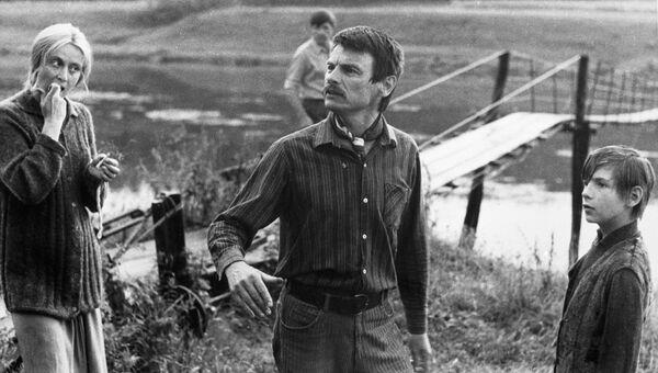 Тарковский на съемках фильма Зеркало. Архивное фото