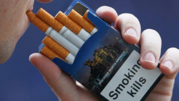 Запрет на курение в общественных местах вводится во многих странах