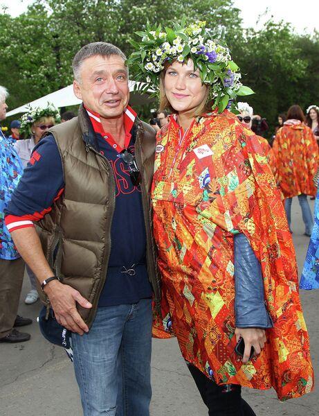 Воскресник фестиваля искусств Черешневый лес в ЦПКиО им. Горького
