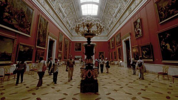 Государственный Эрмитаж в Санкт-Петербурге, архивное фото