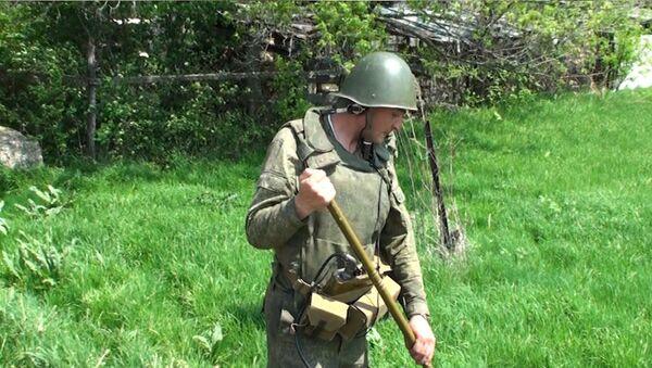Военные и спасатели устраняют последствия взрывов боеприпасов в Приморье