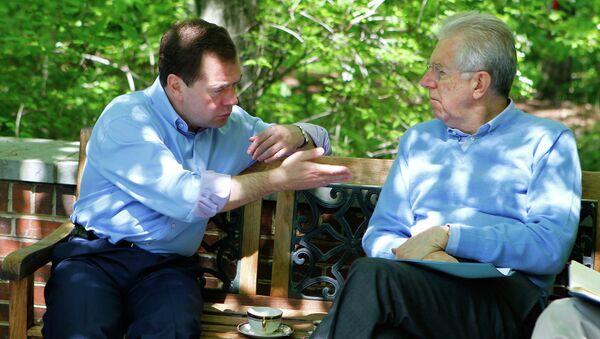 Дмитрий Медведев и Марио Монти на неформальной встрече в Кэмп-Дэвиде