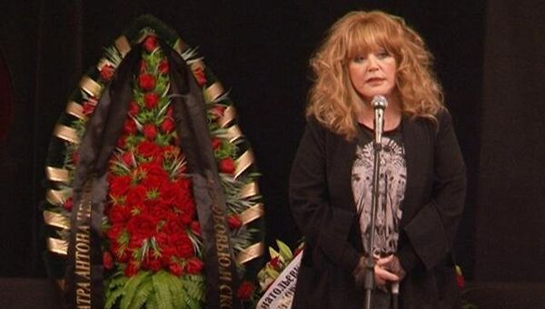 Минков оставил бриллианты песен – Пугачева на прощании с композитором