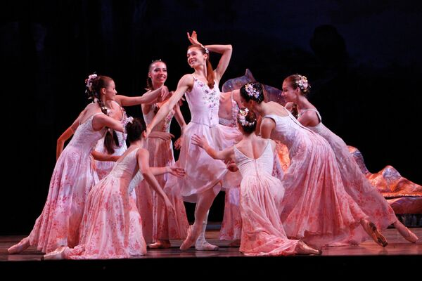 Генеральный прогон балета Сон в летнюю ночь