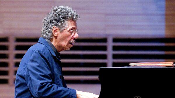 Джазовый пианист и композитор Чик Кориа