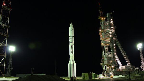 Пуск ракеты Протон-М с космическим аппаратом Сириус-5