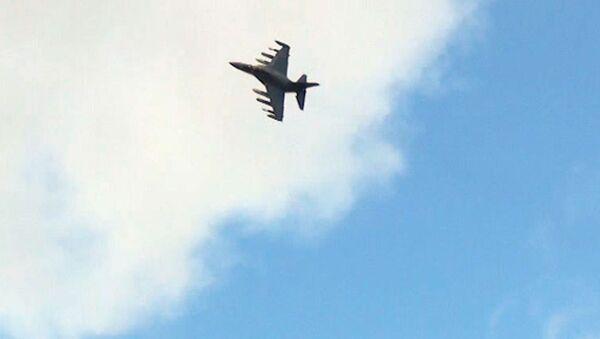 Як-130 кружил в небе и переворачивался во время полета на Фарнборо