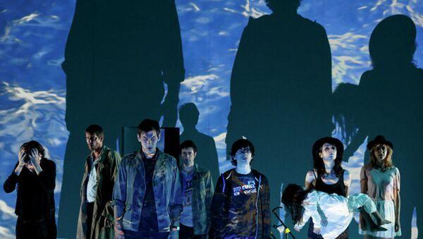 Сцена из спектакля Шесть персонажей в поисках автора