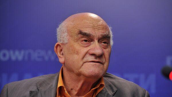 Евгений Ясин. Архивное фото