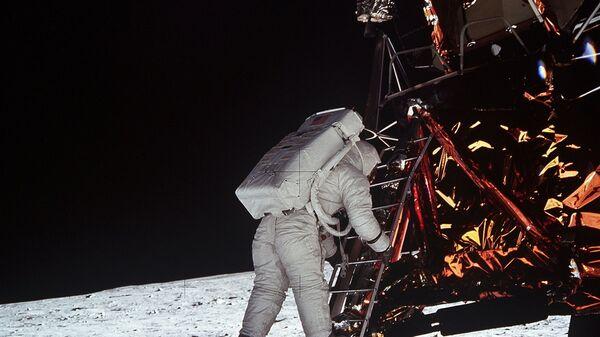 Высадка астронавта Эдвина Олдрина на Луну