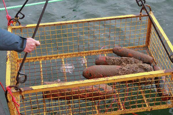 Десятки снарядов подняли с затопленной на Балтике немецкой баржи