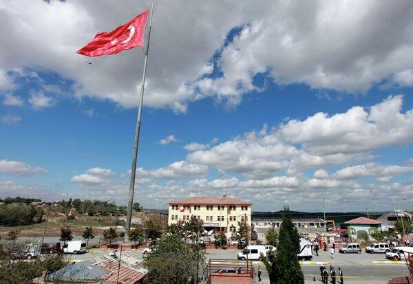 Взрыв у полицейского участка в Стамбуле