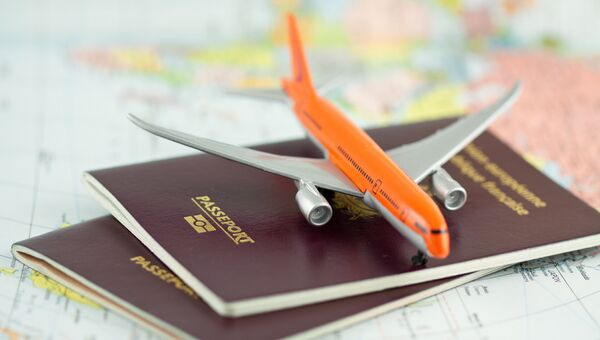 Заграничные паспорта, архивное фото