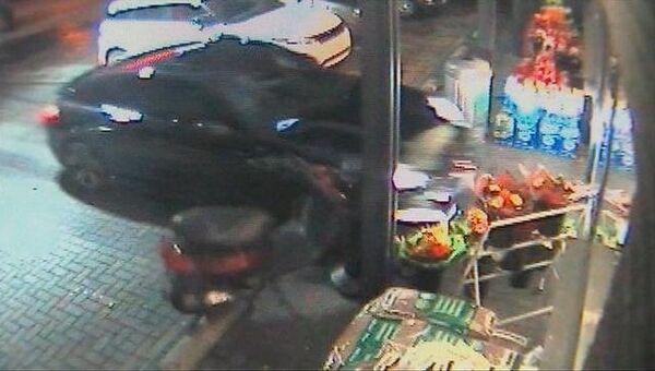 Пьяный футболист Терека протаранил на Porsche магазин на АЗС в Бельгии