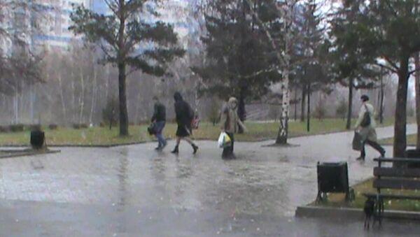 Первый снег, метель и шубы: в Иркутск пришла зима