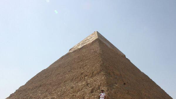 Пирамида Хефрена, Гиза, Египет, архивное фото
