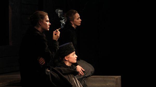 Сцена из спектакля Льва Додина Три сестры