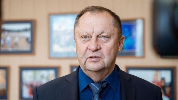 временно исполняющий обязанности главного тренера ВК Урал Валерий Багметов