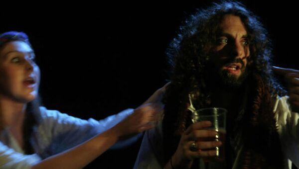 Сцена из спектакля Пьяный Шекспир, труппа The Magnificent Bastard Productions, участники фестиваля искусств Fringe в Эдинбурге
