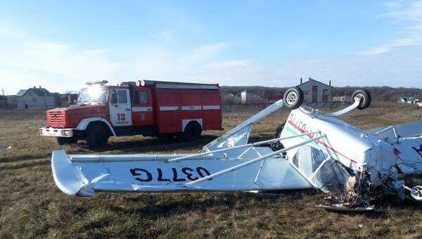 В юго-западном районе Ставрополя при заходе на посадку потерпел крушение легкомоторный спортивный самолет