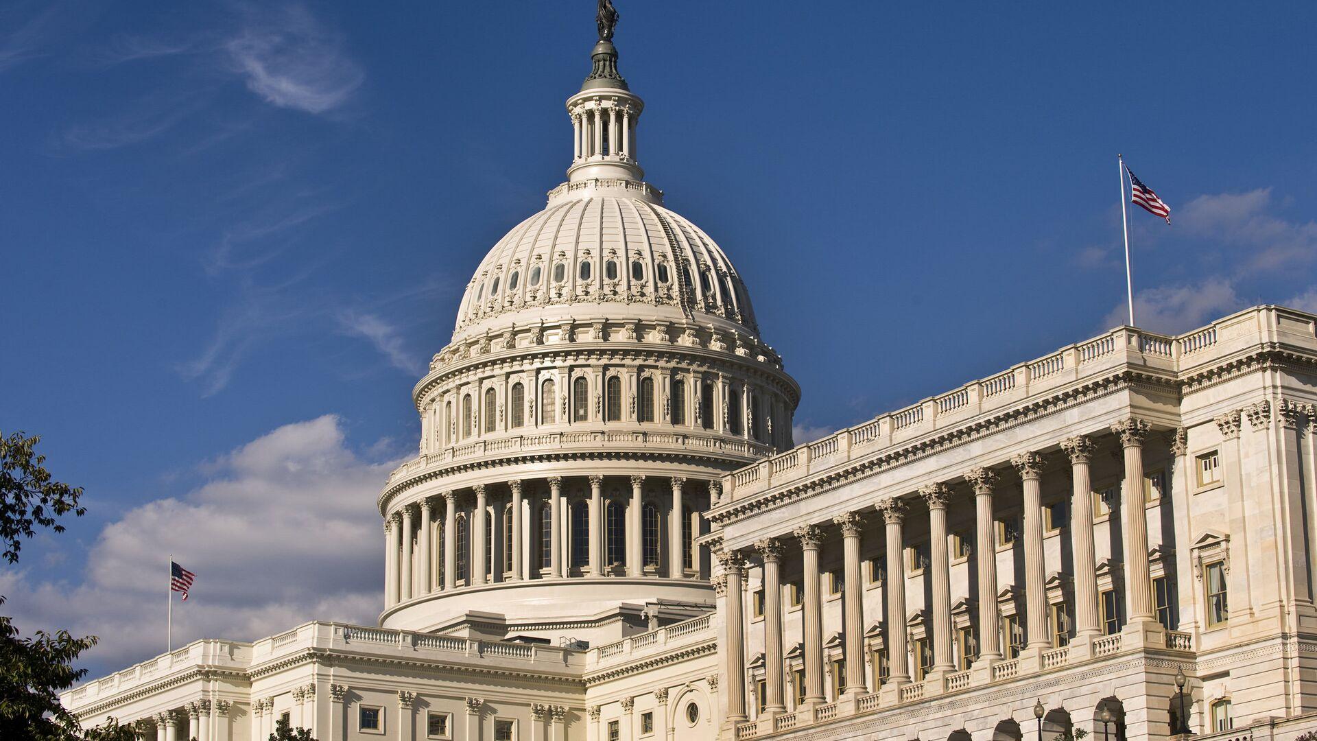 Сенат США принял пакет стимулирования экономики на $900 миллиардов