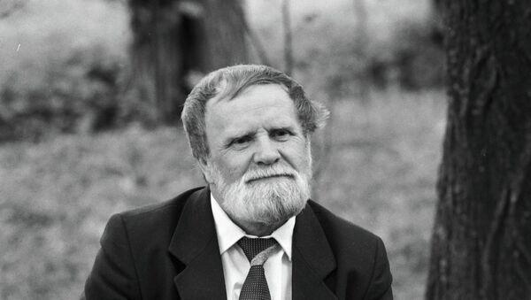 Писатель Василий Белов