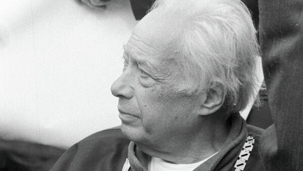 Спортивный комментатор Озеров
