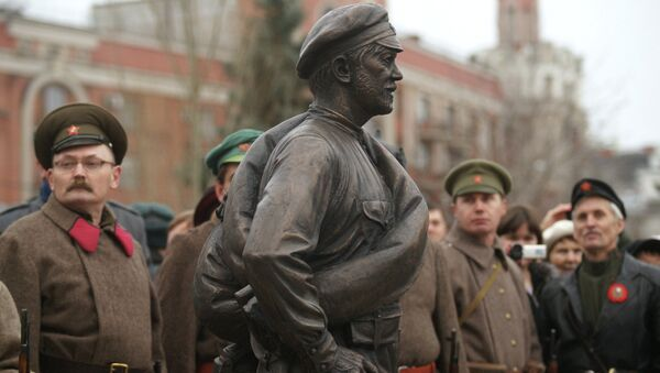 Открытие памятника киногерою товарищу Сухову