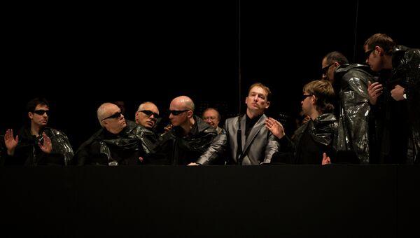 Сцена из спектакля Альтист Данилов