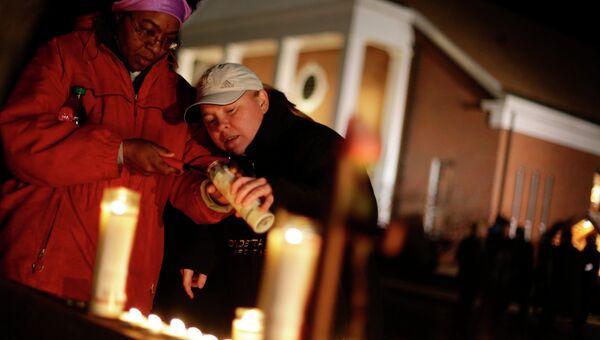Траур в США по погибшим в результате стрельбы в школе Ньютауна
