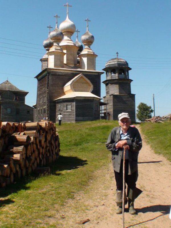 Александр Порфирьевич Слепинин у храма святителя Николая Чудотворца (1636 год)