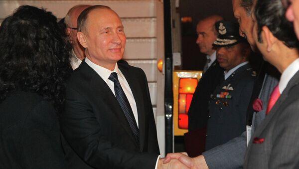 В.Путин прибыл с официальным визитом в Индию