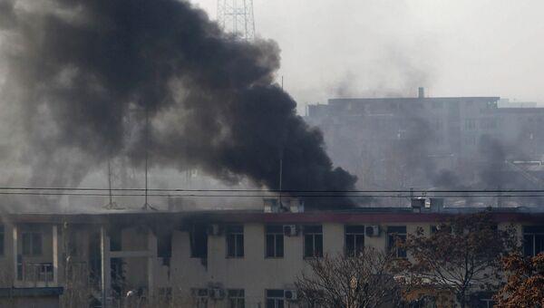 Террористы-смертники привели в действие взрывные устройства в машине недалеко от полицейского участка в западной части Кабула