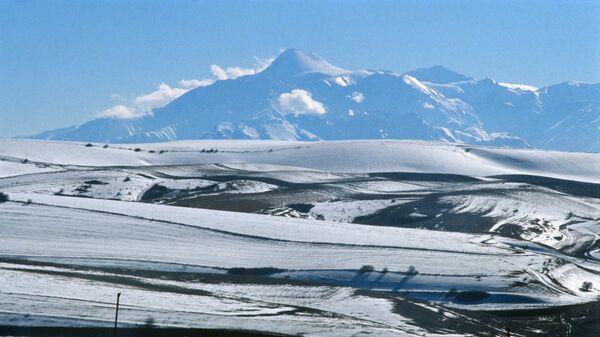 Вид на гору Казбек, Республика Ингушетия