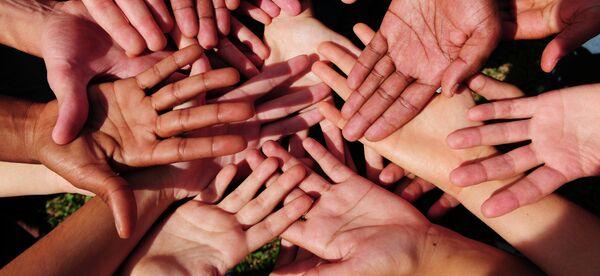 Международный День спонтанного проявления доброты (Random Acts of Kindness Day) отмечают 17 февраля