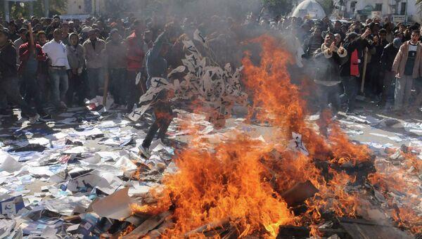Протесты в Тунисе, вызванные убийством деятеля оппозиции Шукри Бельида