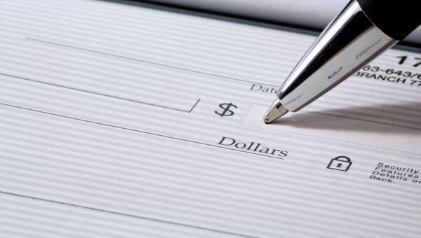 Банковский чек. Архивное фото